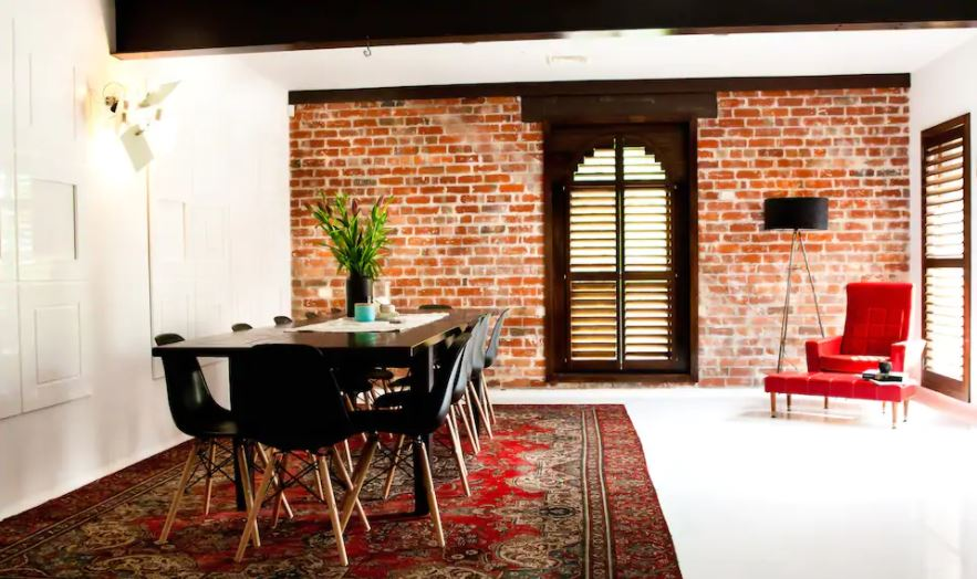 sleek modern warehouse accommodation in ballarat