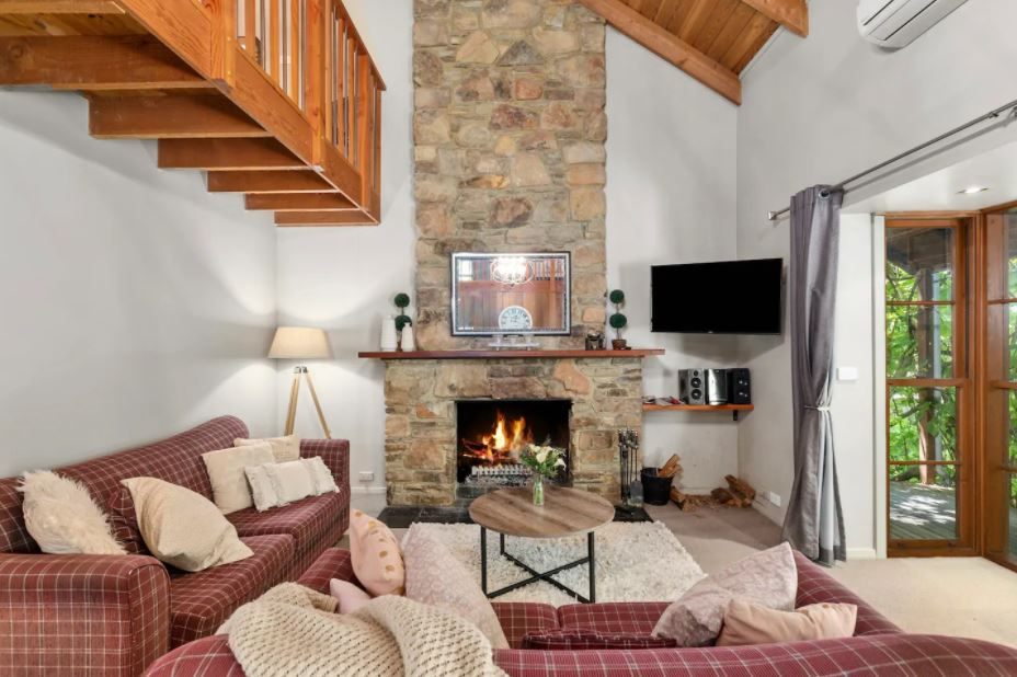 cute and cosy accommodation for a getaway near melbourne