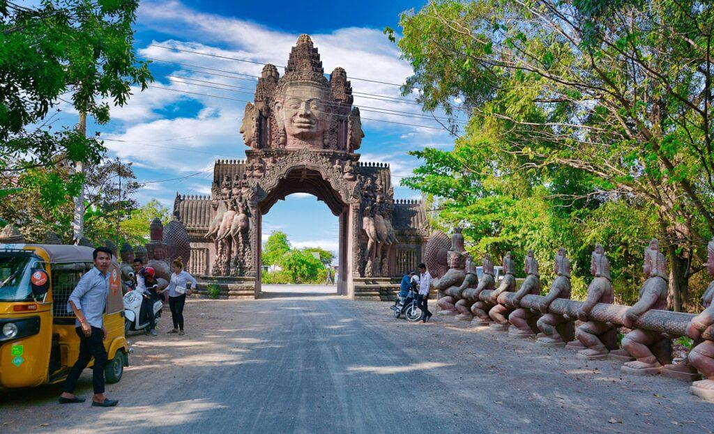 roadside monument at Phnom Penh